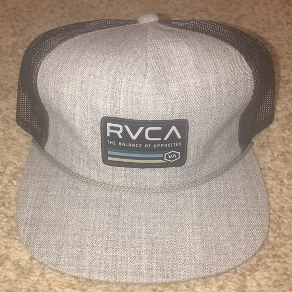 outlet store 3ee7c 0aa02 NWT - RVCA men s snapback trucker hat